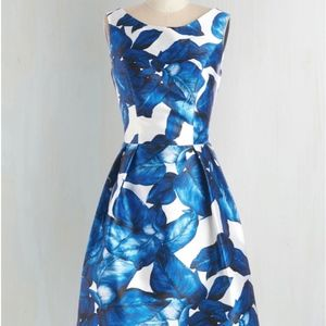 Chi Chi London All Is Palm Dress in Sapphire in 6